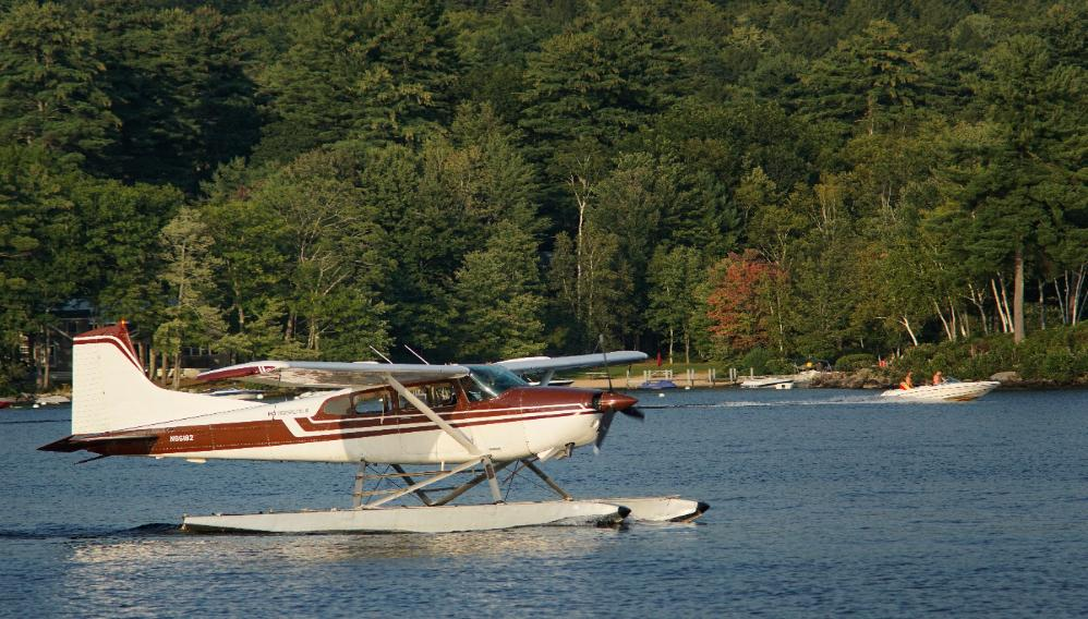 seaplane on Long Lake