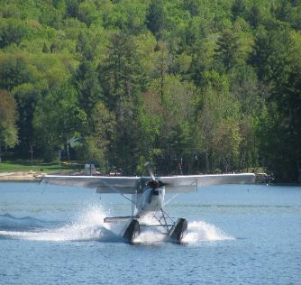 Seaplane landing on Long Lake
